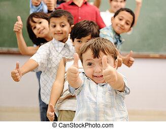 kinder, an, schule, klassenzimmer