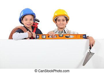 kinder, angezogene , als, aufbau- arbeiter