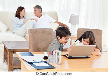 kinder, arbeiten, ihr, laptop, hause