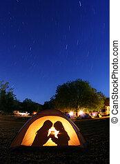 kinder, camping, nacht, in, a, zelt