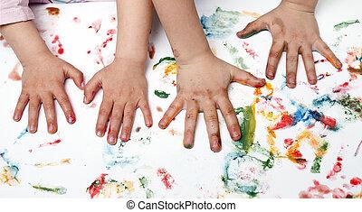 Kinder,  Hand