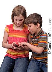 kinder, texting