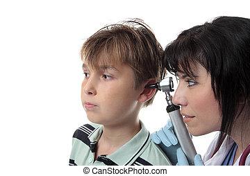 kinderarts, controleren, oor
