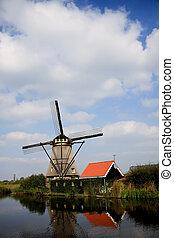 Kinderdijk Windmill Holland - Windmill in the polders of the...