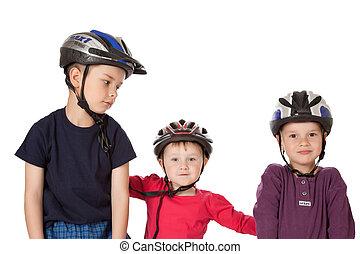 kinderen, in, de helmen van de fiets