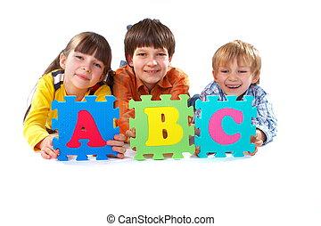 kinderen, met, alfabet, raadsel