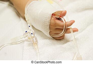 kinderen, patiënt, in het ziekenhuis, met, zouthoudend,...