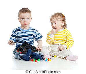kinderen spelende, met, mozaïek, toy., concept, voor, gevaar voor de gezondheid, om te