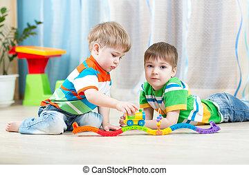 kinderen spelende, varen straat uit, speelbal, in, babykamer
