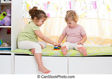 kinderen, zuster, toneelstuk, samen, binnen