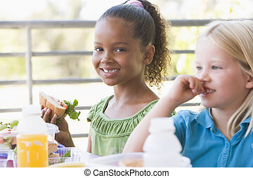kindergarten, kinder essend, mittagstisch