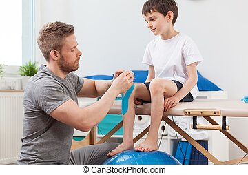 kinesio, pediatria, gravando