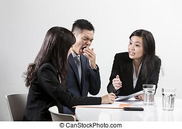 kinesisk, affärsman, gäspande, under, affärsmöte