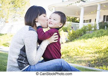 kinesisk, mor, havande kul, med, henne, blandad kapplöpning, baby son