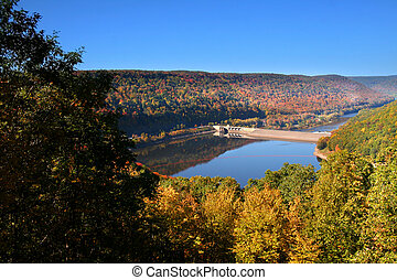 Kinzua Dam - Bright colorful trees in Allegheny national...