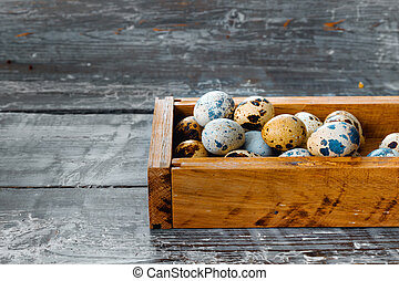 kippenkippenren, eitjes, fris, kwartel, houten doos
