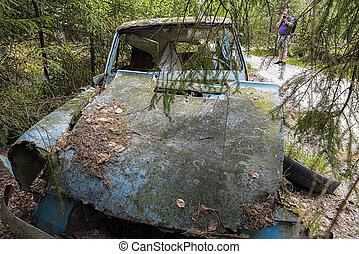 Kirkoe Mosse Bilkyrkogard Ford Anglia Wreck