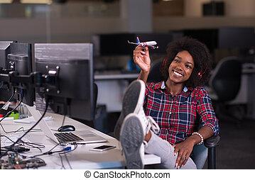kisasszony, -ban, neki, hivatal, workplace, játék, noha, repülőgép, játékszer