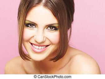 kisasszony, képben látható, rózsaszín háttér