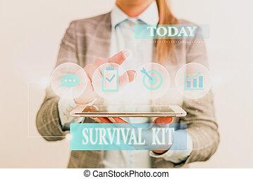 kit., tekst, helpen, gebruiken, verzameling, slijtage, items, concept, formeel, kostuum, noodsituatie uitrustingen, presentatie, voortbestaan, device., vrouwlijk, woord, smart, werken, het voorstellen, schrijvende , menselijk, iemand