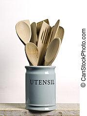 Kitchen cooking utensils; wooden spatulas etc in china...