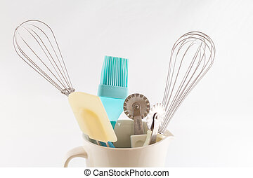 kitchen utensils for baking cake