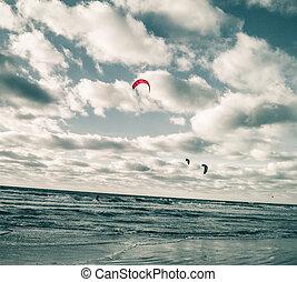 kite-, motyw morski, ci którzy uprawiają jazdę na nartach wodnych
