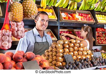 kiwi, homme, frais, autre, vente, supermarché, fruits