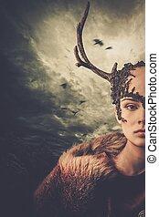 klädesplagg, kvinna, dramatisk, över, sky, schaman, stormig...