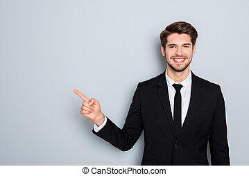 klage, finger, zeigt, geschäftsmann, hübsch, junger, schwarz