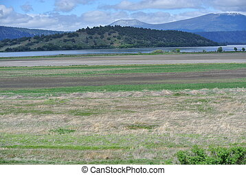 Klamath basin view - View of klamath basin and mountain