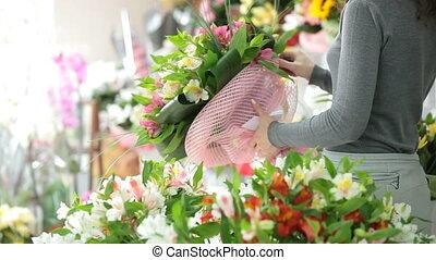 klant, shoppen , in, bloemist, winkel