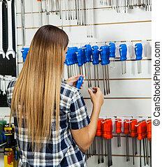 klant, winkel, hardware, schroevendraaier, het selecteren