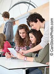 klasa, elektronowy, grupa, nastolatki, tabliczka