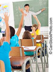 klasa, podniesiony, język, spoinowanie, studenci, siła robocza, podczas, lekcja, nauczyciel, chińczyk