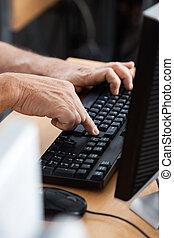 klaslokaal, computer, student, gebruik, hoger mannetje