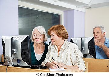 klaslokaal, gebruik, senior, computer, vrouwen