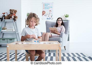 klaslokaal, jongen, autisme, opmerkingen, psycholoog, therapie, gedurende, boeiend