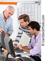 klaslokaal, mannen, het verbinden, internet