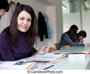 klaslokaal, volle, student, zittende , jonge, universiteit, vrouwlijk, mooi