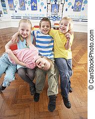 Klassenzimmer, Gruppe, hauptsächlich, Schulkinder