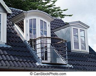 klassiek, verticaal, vensters, moderne, dak, ontwerp, balkon