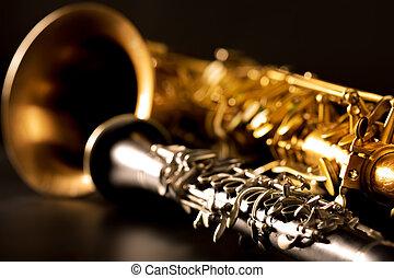 klassisch, musik, saxophon, laufzeitsaxophon, und, klarinette, in, schwarz