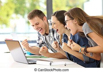 klassrum, bra, deltagare, nyheterna, läsning, spänd