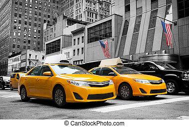 klasszikus, utca, kilátás, közül, sárga, taxizik, alatt, új york város
