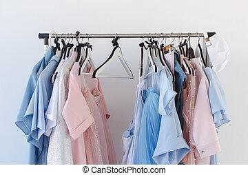 kleiderbügel, kleidung