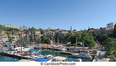 klein, hafen, für, touristen, und, segeln schiffen, in, antalyas, oldtown, kaleici, türkei