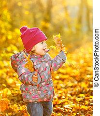 klein meisje, in het park
