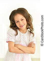 klein meisje, in, witte kleding