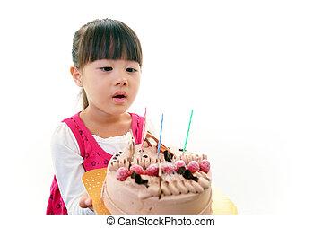 klein meisje, met, verjaardagstaart